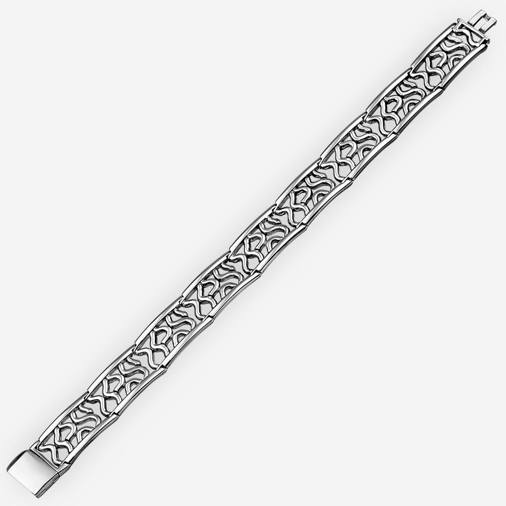 Pulsera de plata que ofrece un diseño abstracto del corte en cada acoplamiento y un pulido final hermosa de alta calidad.