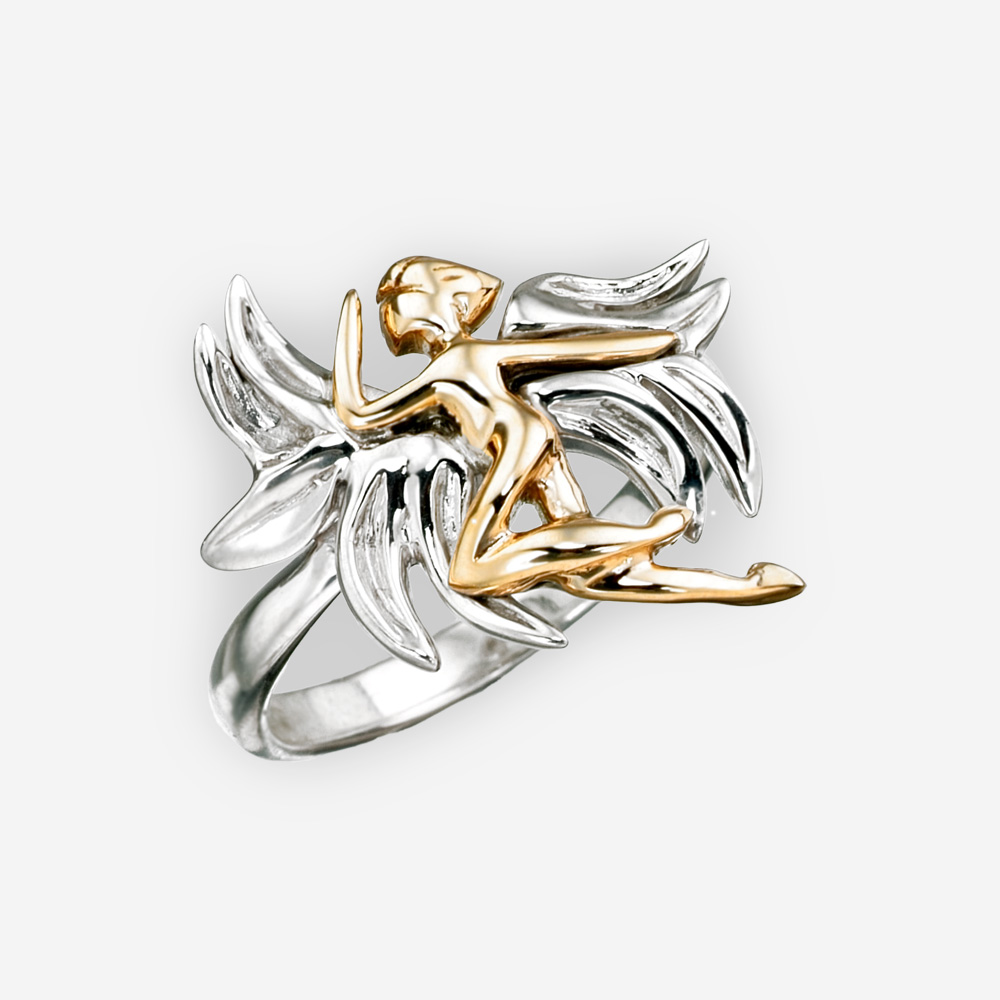 Anillo de plata con un ángel de oro 14k.