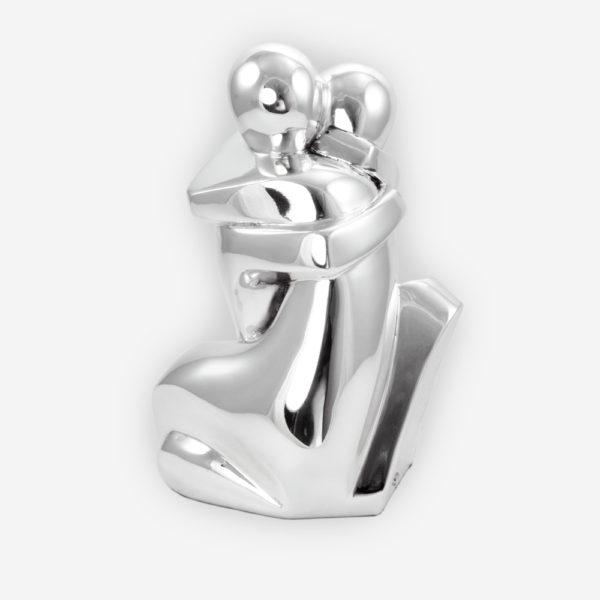 """""""El Beso"""" Escultura Abstracta en Plata , hecha mediante proceso de electroformado."""