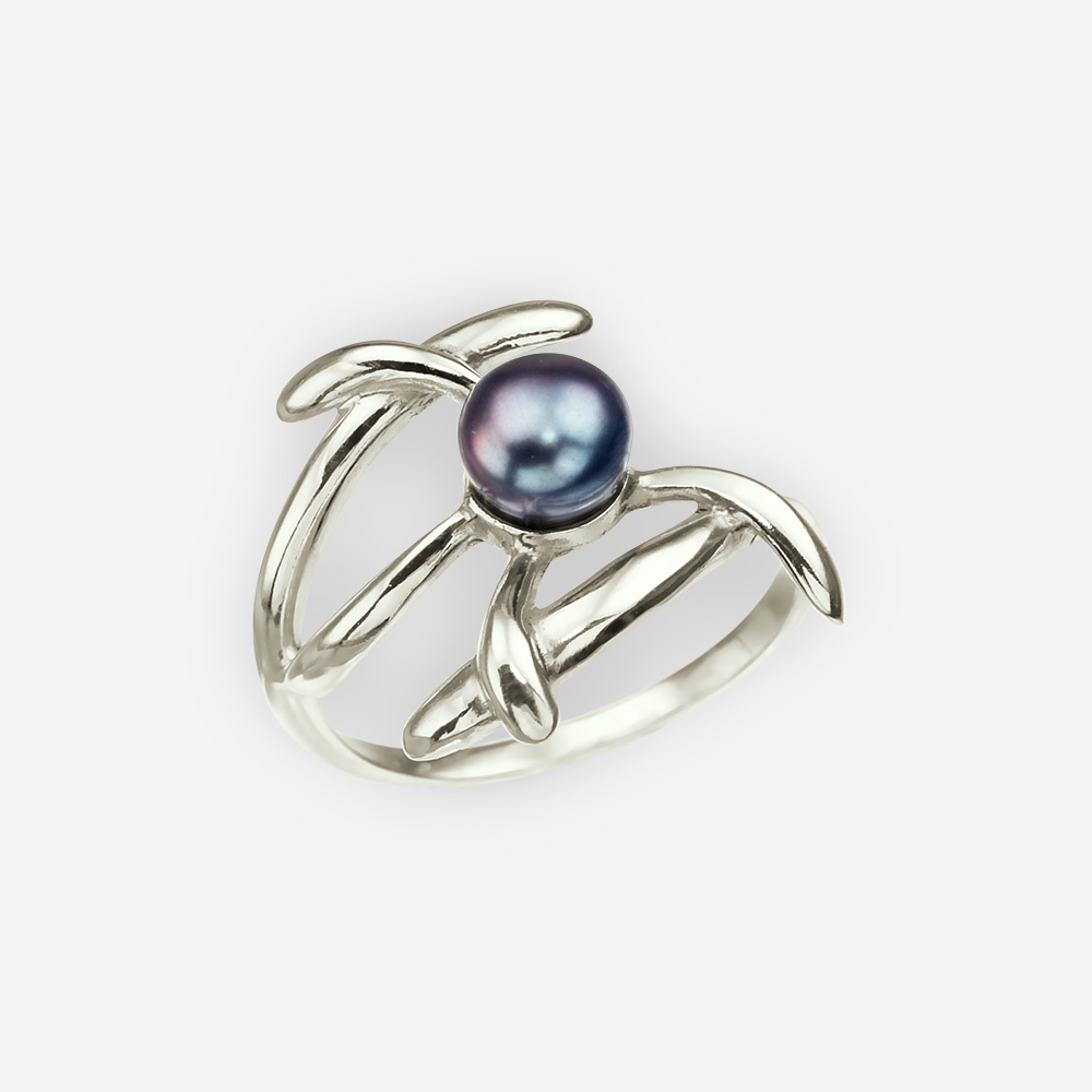 Modern silver black pearl flower ring with modern aesthetic.