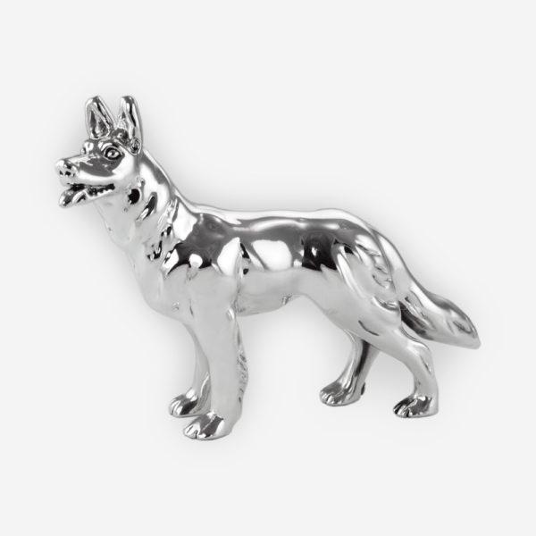 Escultura de Plata de un Perro de Raza Pastor Alemán hecha mediante proceso de electroformado.