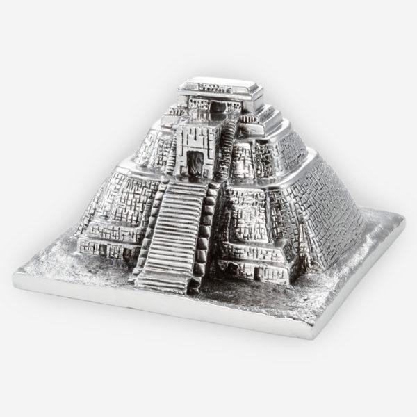 Píramide del Adivino ( Uxmal) en Plata, hecha mediante proceso de electroformado.